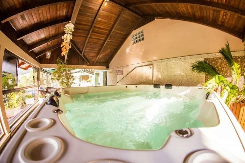 hotel rouxinol piscina